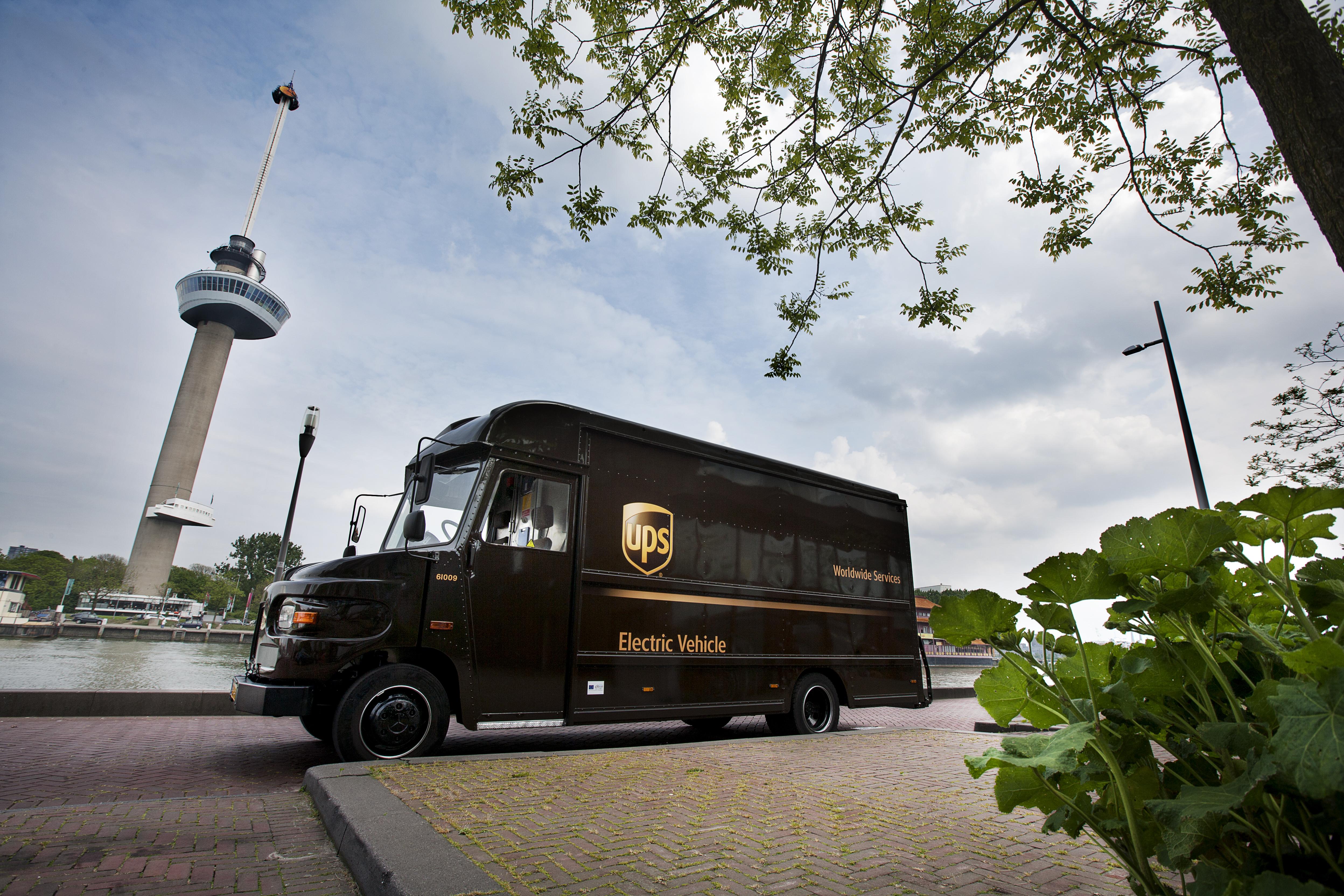FREVUE image of a UPS branded EFV