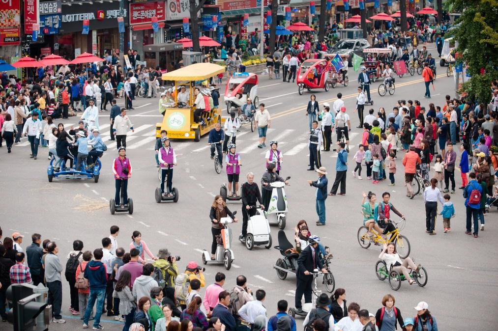Image: The EcoMobility World Festival 2013 in Suwon, South Korea.   Copyright: ICLEI