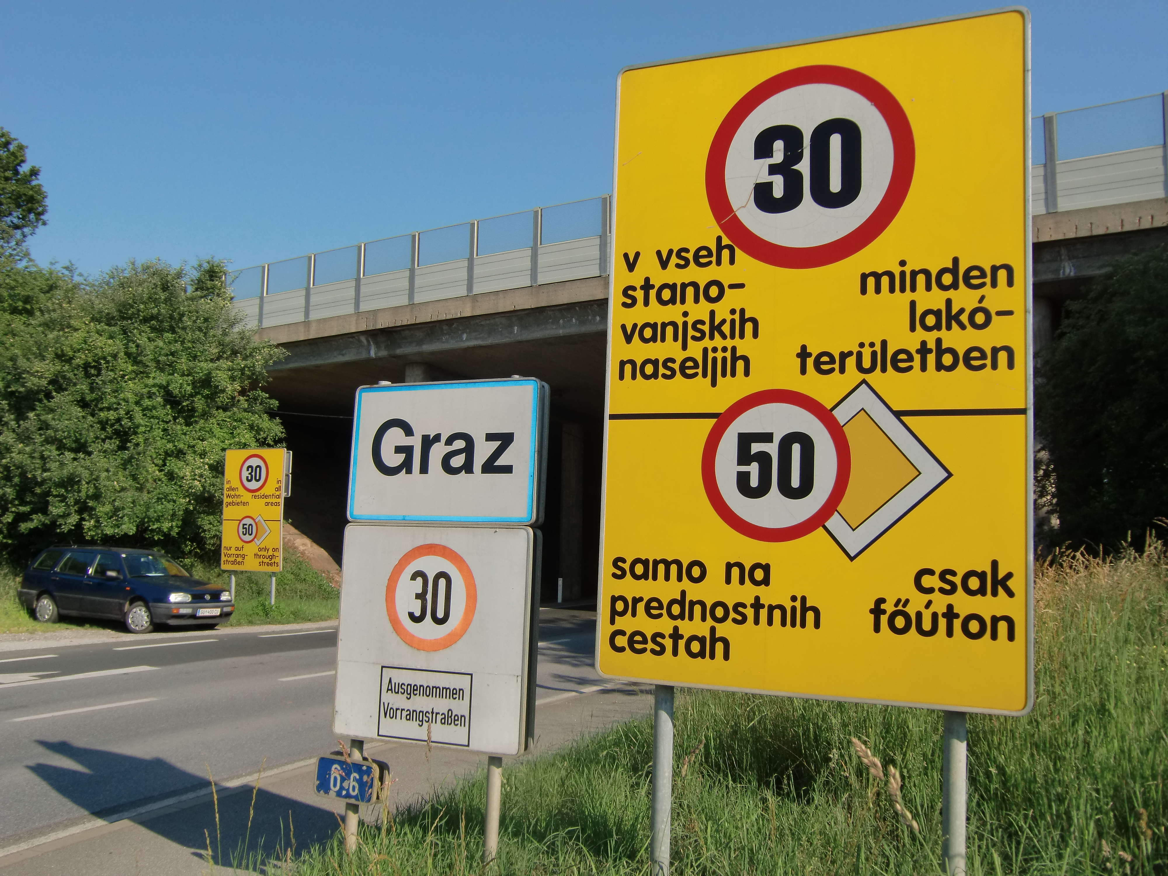 Speed limit announcement at the entry of Graz, AT