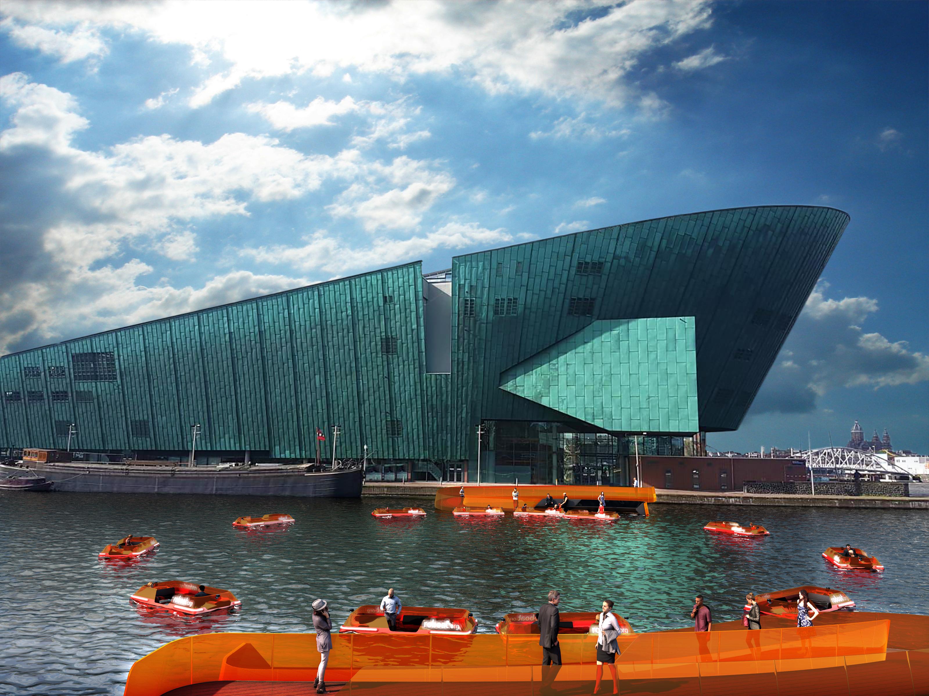 """roundAround: autonomous boats """"bridging"""" Amsterdam waterway"""