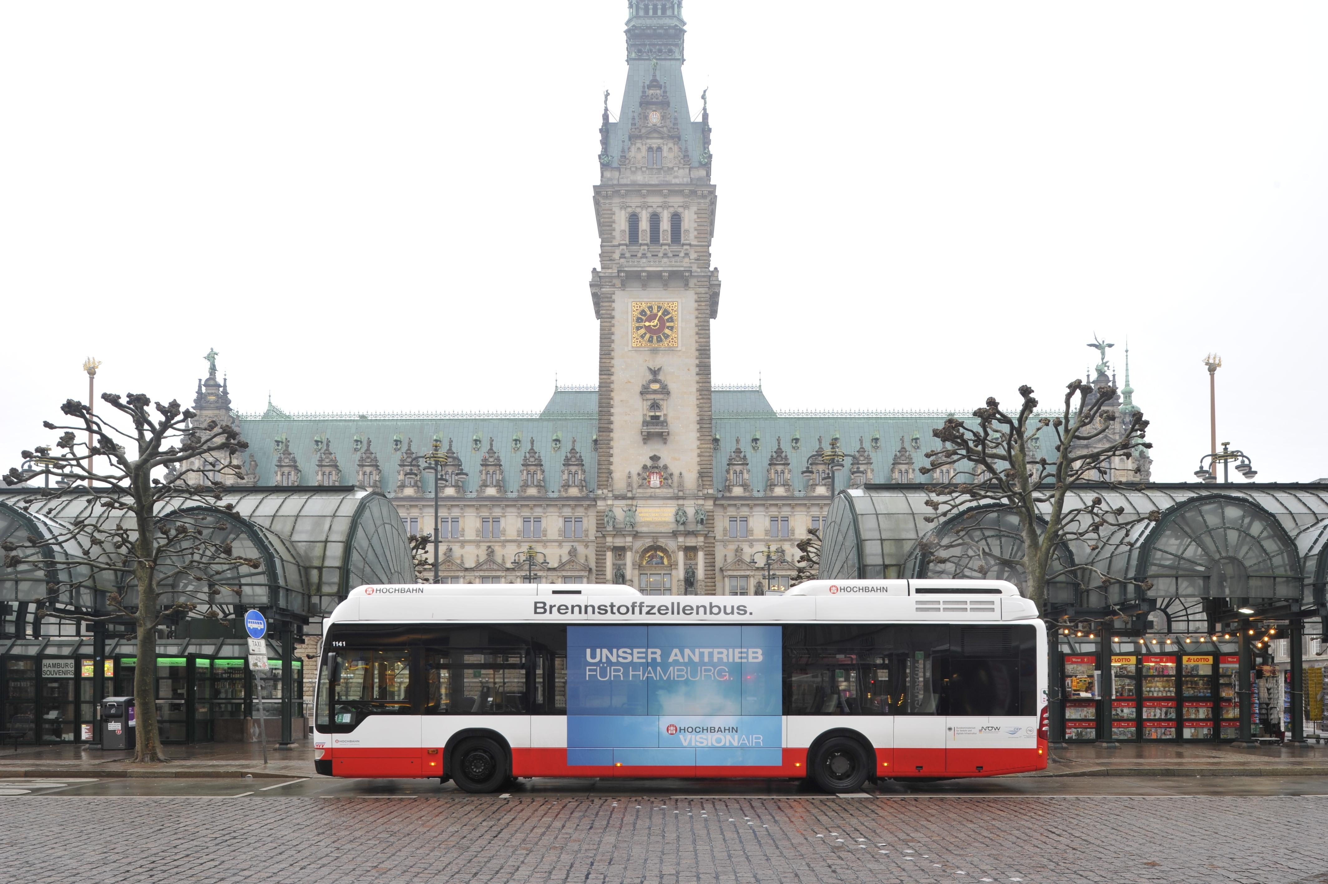 Brennstoffzellenbus im Einsatz in Hamburg (Innovationslinie 109)
