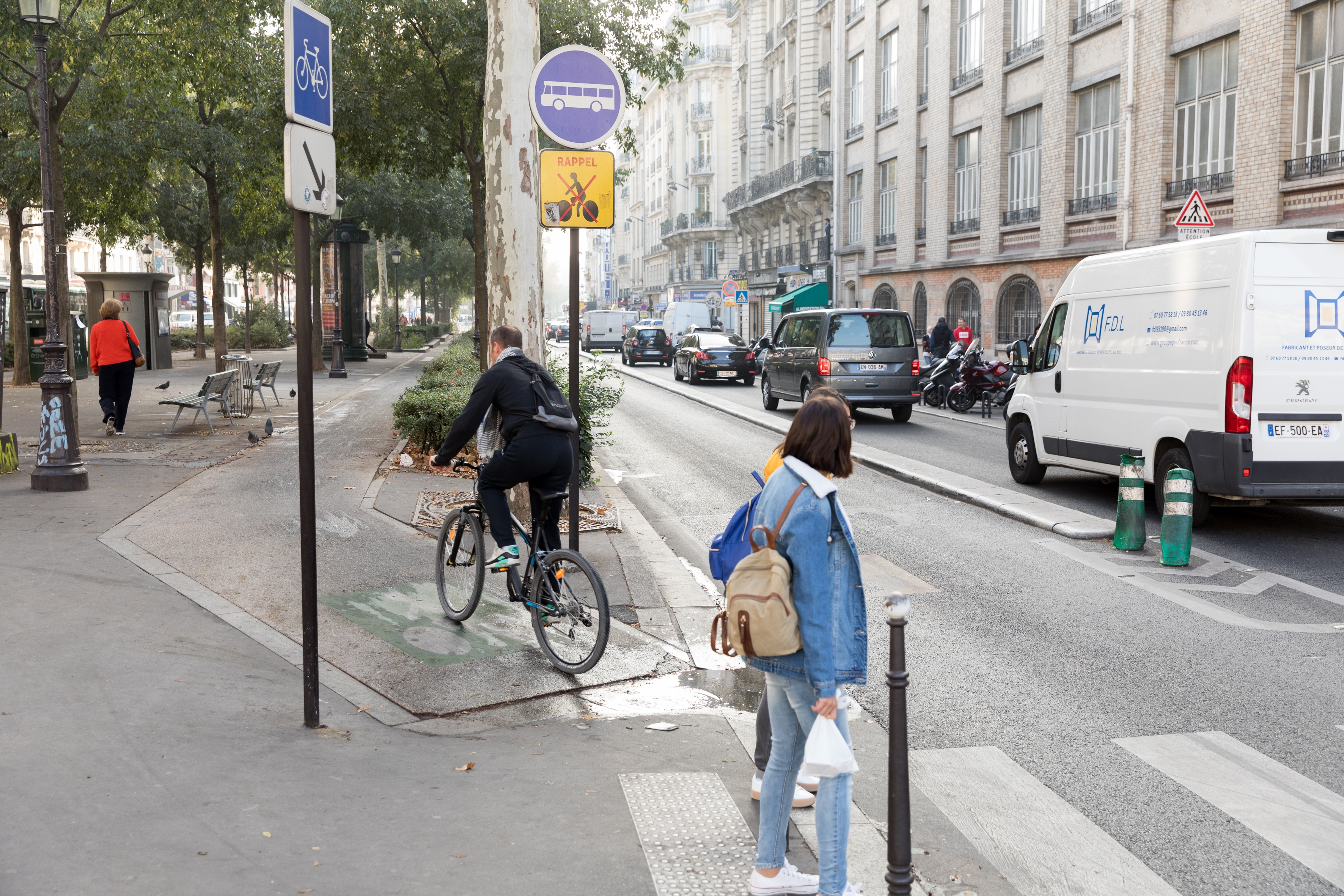 Separate cycle lane in Paris