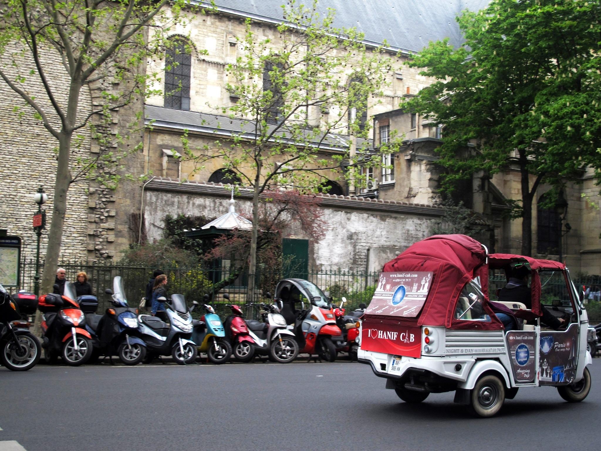 let 39 s scoot paris 39 s scooter sharing scheme france eltis. Black Bedroom Furniture Sets. Home Design Ideas