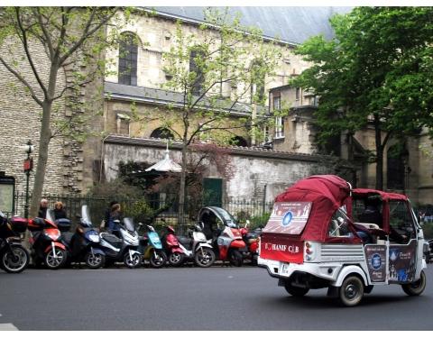 Mopeds in Paris