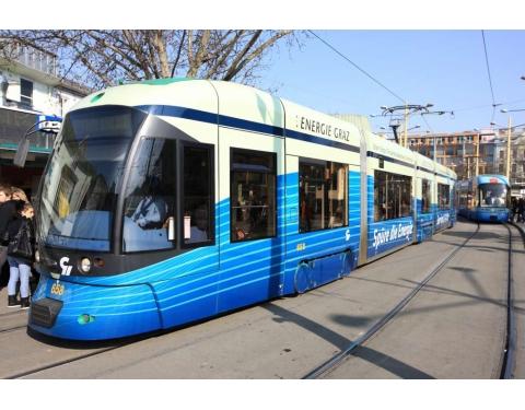 (C) Harry Schiffer: Tram in Graz at Jakominiplatz main public transport node