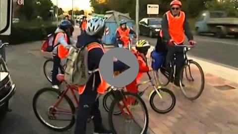 Embedded thumbnail for Cycle Bus to school in Reggio Emilia, Italy